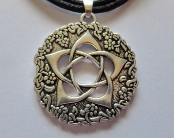 Silver Pentacle Of The Goddess Pendant - Pentagram - Adjustable Black Choker Necklace - Woodland - Nature - Floral - Pagan - Wiccan