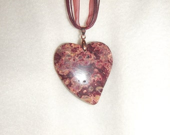 Heart-shaped Burgundy Sea Sediment Jasper pendant necklace (JO558)