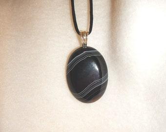 Oval Black Onyx Agate pendant (JO458)
