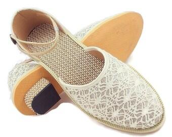 Free Shipping Sober look Cream Embroidery Thread Womens Footwear Foot Clone , Wedding Shoes  ,Women Slippers ,Womens designer Juti Mojari