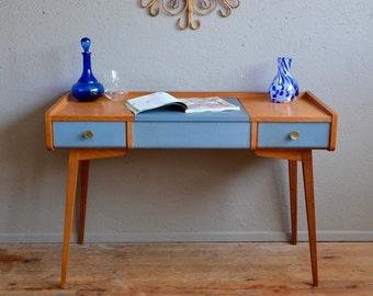 pedestal table vintage tubular cantilever by latelierbellelurette. Black Bedroom Furniture Sets. Home Design Ideas
