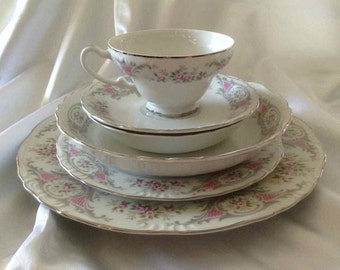 """Vintage Style House """"Pompadour"""" 47 Piece Dinnerware Set - Made in Japan - 1960's"""
