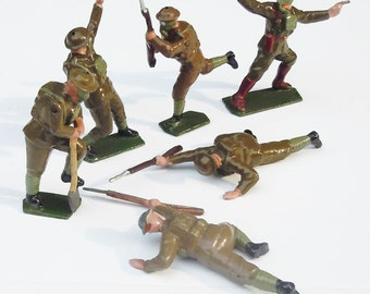 Vintage Britains Toy Soldiers / Trench Warfare / 6 Figures in various Positions...Great Condition / Dunkirk