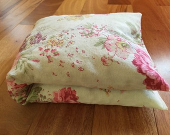 Vintage Floral Cherry Pit Heating Pad, Hot or Cold Therapy Pack, Microwaveable