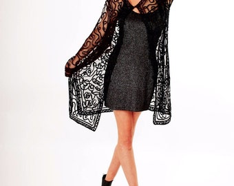 Beautiful vintage embroidered cover up