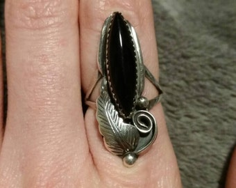 Vintage sterling silver and onyx marquis shaped ring size 7