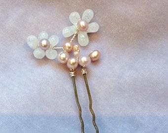 One Moonstone flowers Bridal Headpiece, Moonstone hair pins, freshwater pearls, ,pearl hair pins, moonstone jewelry, wedding hair pins