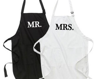 Mr. and Mrs. Apron Set, Gifts for the Mr. and Mrs. Couples Gifts, wedding gift, bridal shower gift idea, matching apron set, his and hers
