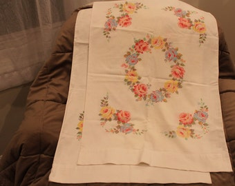 Vintage  100% Cotton Floral Pillowcases Lady Pepperell