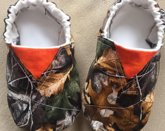 Real Tree camo, realtree, Hunter Toms inspired baby shoes and booties, camo booties, crib shoes, baby hunter shoes, nature baby shoes