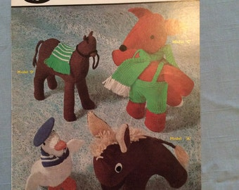 Vintage Sirda 6030 Knitting Pattern - Toys; Donkey, Camel, Fox, Sailor Duck in Double Crepe/4 Ply