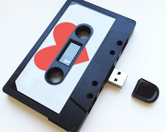 4GB/8GB/16GB USB Mixtape - Retro Christmas Gift - Ideal for a Loved One, Birthday, Wedding Present- Boyfriend, Girlfriend, Best friend