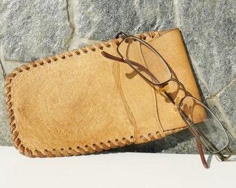 Vintage  light - brown leather Glasses Case, Retro Glasses Holder, Retro case