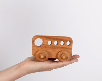Bus wooden (Walnut)