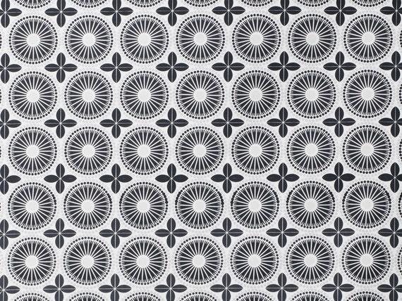 Tissu scandinave contemporain gilles noir noir par oomfinteriors - Rideaux imprimes scandinaves ...