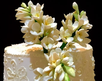 Sugar flowers-gumpaste lilac for wedding cupcakes decorations