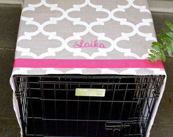 Personalized Crate Cover with Hot Pink Name || Custom Tan Quatrefoil Dog Kennel Cover || Pets Name || Puppy Gift by Three Spoiled Dogs