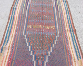Size:9.2 ft by 4.3 ft Handmade Kilim Vintage Sennah Worn Faded Kilim