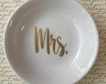Mr. or Mrs. Ring Holder / Ring Bearer Porcelain Dish (Individual Dish)