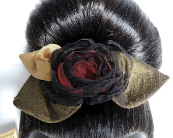 Comb with a black and red fabric flower – silk and organza
