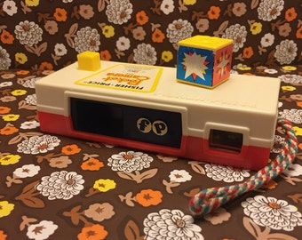 Fisher Price Pocket Camera / 1974 / At The Zoo / Play Pretend / Educational Toy