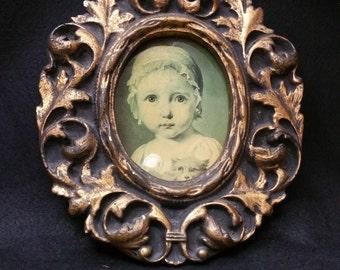 Plaster Vintage Frame - Oval Classic Design
