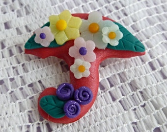 Umbrella brooch or pin decorated with flowers. Brooch handmade with polymer clay. Unique brooch for Mothers day or birthday gift.