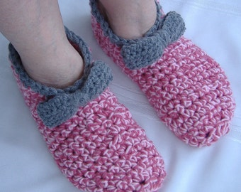 crochet pink slippers,house slippers,crochet womens slippers, crochet girls slippers,crochet ladies slippers,travel booties,adult slippers