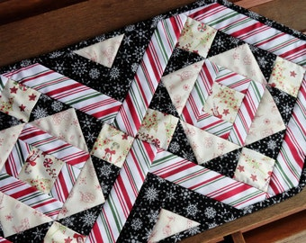 Christmas Quilted Table Runner, Christmas Decor, Red, Green, Black, White, Christmas Decoration, Dining Table Decor, Holiday Quilted Runner
