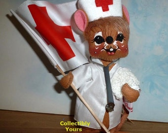 NEW  Annalee NURSE MOUSE with Red Cross Flag,  9932, 7 in,  eyes open, dated 1991, Vintage Mint,  Never Displayed