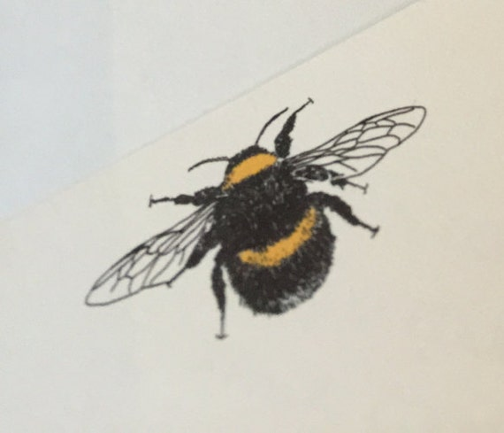 bee writing paper Print your choice of printable lined-paper have children draw a bee behind the  lined paper or select and print a bee coloring page behind the lined-paper to.
