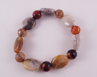 Gael (Multifaceted Agate Rounds w/ Flat Agate Oval Stretch Bracelet)
