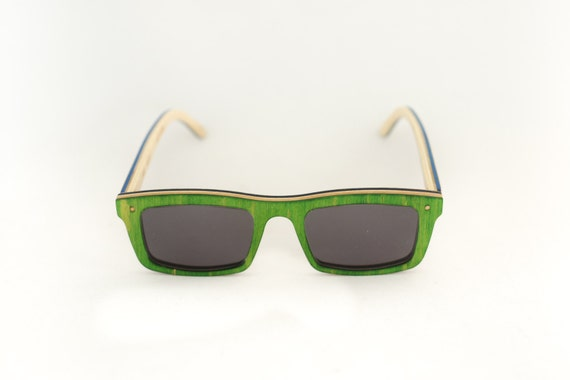 skateboard recycled sunglasses LEDGE shape ! green grey color #madeinfrance #upcycle