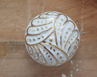 White & Gold Drawer Knobs, Cabinet Knobs, White and Gold, Drawer Knobs, Drawer Pulls, Gold Knobs, White Knobs, gold cabinet knobs
