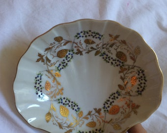 VINTAGE! Shell small plate