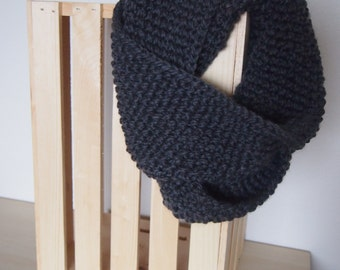 Midweight Chunky Infinity Scarf in Grey