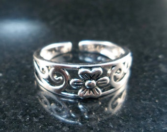 Flower Toe Ring - Sterling silver