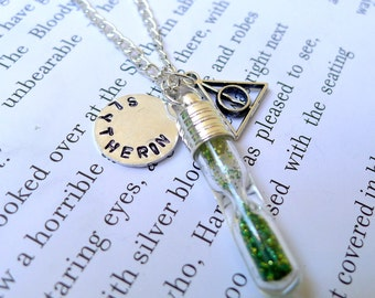 Slytherin hourglass necklace. Customizable Harry Potter necklace. Harry Potter jewelry. Hogwarts house points hourglass.