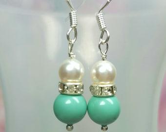 Bridal Pearl Earrings Light Green, Jade Pearl Earrings, Sea Green Bridesmaids Gifts, Soft Green Wedding Jewerlry, Swarovski Pearls Earrings
