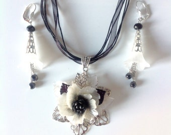 Black and white jewelry set, cold porcelain and silver metal