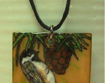 Pendant tit, pendant bird, black-capped chickadee, black chikadee, enamel on copper, copper enameling, bird, enamels Diane Charuest