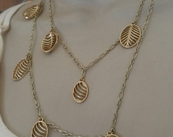 Vintage Liz Claiborne Necklace with rounded Leaves.