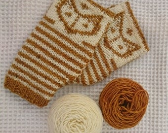 Foxy Wristers / Fingerless Mittens - mini knitting kit- just the hand dyed wool and pattern.