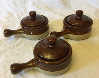 Vintage Stoneware French Onion Soup Crocks with Lids, Set of 3, Brown Handled Chili Bowls