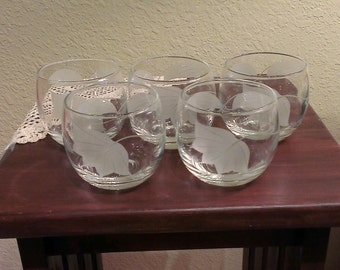 Set of 5 - Vintage Roly Poly Etched Leaf  Rocks Glasses