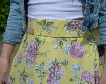 Maxi yellow skirt with flower print