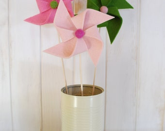 Three pink and green decorative felt pinwheels / three grinders decorative of felt in pink and green. Moderndecor. Baby shower. Kidsroom.