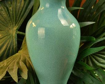 Muncie Pottery 1930's Gloss Green Vase (Shape 100-6) #
