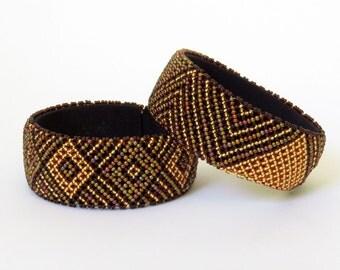 African Zulu beaded large bangle – Gold/bronze/brown