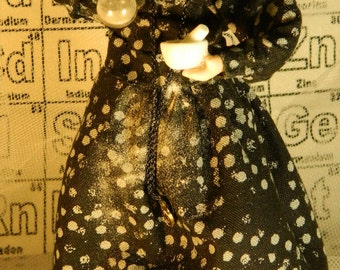 Marie Curie, Mother of  radioactivity : ooak porcelain miniature doll